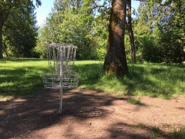 Disc golf basket added by katelocke