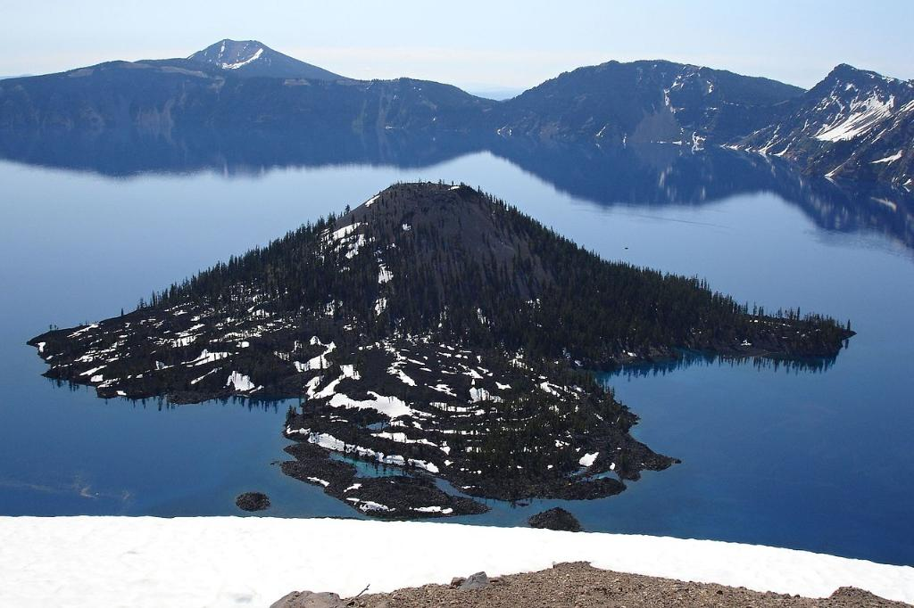 Crater Lake Hiking Tour