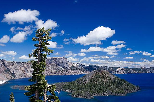 640px Wizard Island In Crater Lake National Park Oregon 2008 added by katelocke