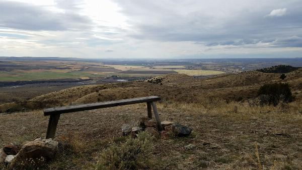Bench above Stinking Spring courtesy of elico3000↗