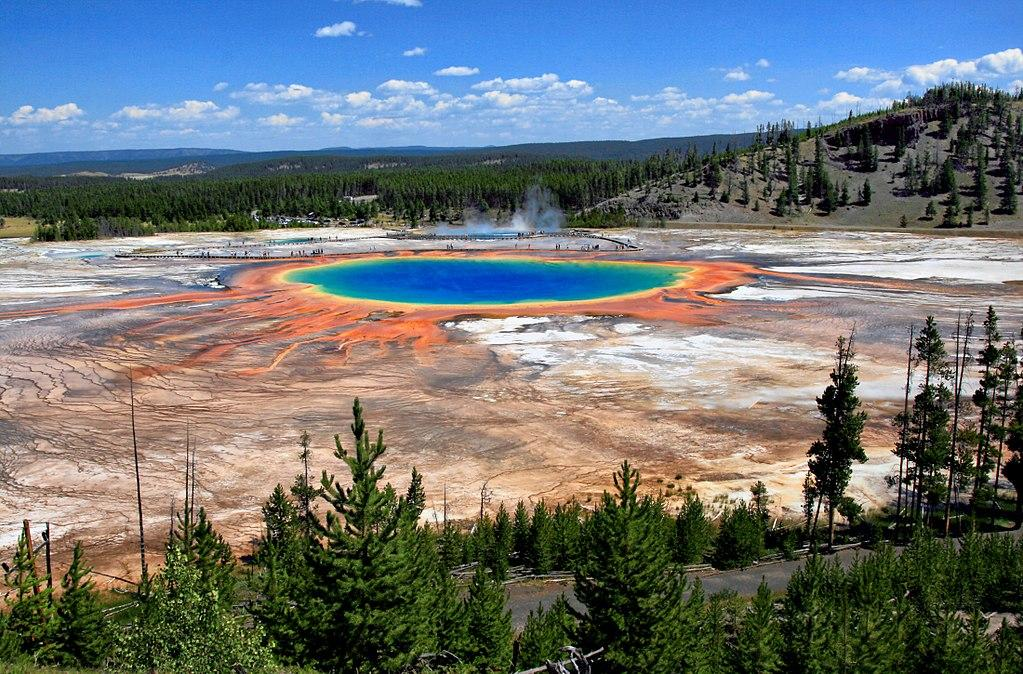 Grand Prismatic Spring From Overlook courtesy of Brocken Inaglory↗